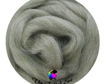 Needle Felting Wool Roving / ES29 Cleansing Sage Carded Wool Sliver