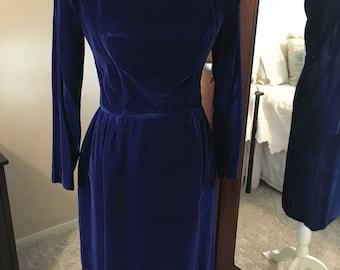 Vintage 1950s blue velvet dress fitted