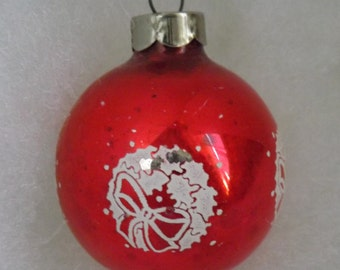 Vintage Christmas ornament red glass stencil holly leaf Christmas wreath rare