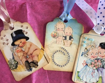 Wedding gift tags with vIntage card images