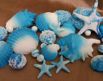 18 Shells Edible Cake Toppers Fondant Icing Shimmer