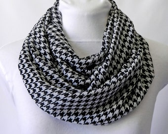 Black and White Scarf / Fall Scarf / Houndstooth Infinity Scarf / Black Scarf / Chiffon Lightweight Scarf / Ladies Scarf / Circle Scarf
