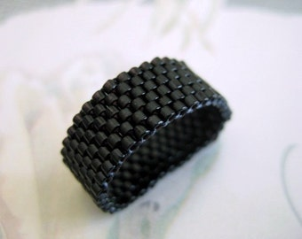 Peyote Ring / Beaded Ring / Black Ring / Seed bead Ring / Size 4, 5, 6, 7, 8, 9, 10, 11, 12, 13  / Custom Ring / Beadwoven Ring / Delica