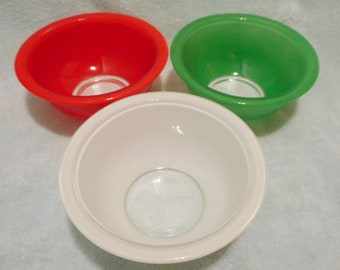 Vintage Pyrex primary color with Clear Glass bottom mixing nesting bowl #322 set of 3