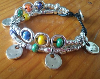 Double bracelet with beading. Bracelet colors.