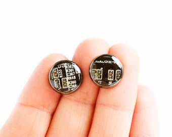 Circuit board stud earrings - recycled computer - contemporary jewelry - 10 mm