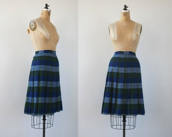 vintage 1950s skirt / 50s plaid skirt / 50s green blue plaid skirt / 50s wool skirt / 50s pleated skirt / 50s wool plaid skirt / s 26 waist