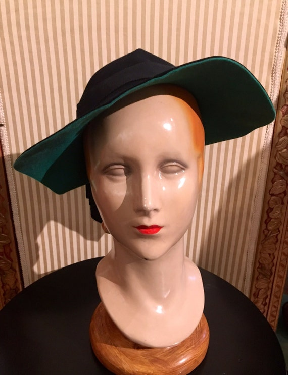 1940s Black and Green Wide Brimmed Hat by F. Cermance Paris, France