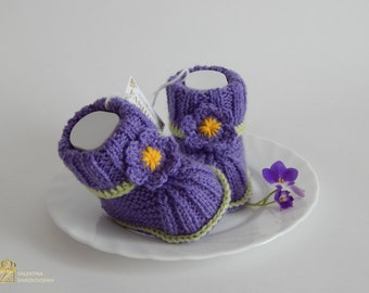 Baby Booties.Crochet Baby Booties.Baby Girl shoes.Photo Prop.Made to order