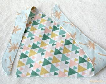 Bandana réversible pour chien triangles et palmiers taille M