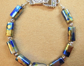 Beautiful Glass Beaded Bracelet with Magnetic Clasp