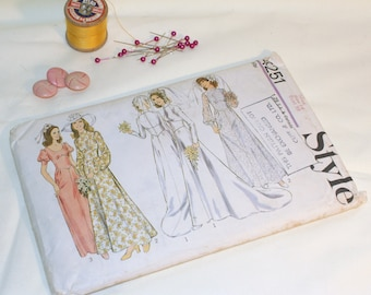 "Vintage 1970s Wedding Bridesmaid Dress Size 14 bust 36"" Sewing Pattern Style 4251"