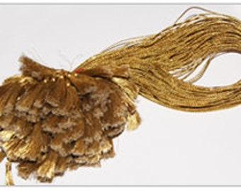 Gold thread with tassel