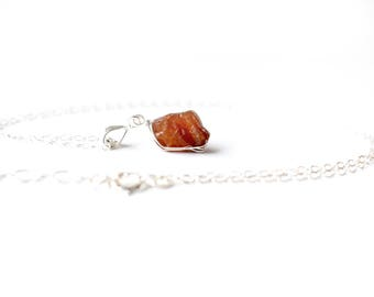 Raw Garnet Pendant, Silver Raw Garnet Necklace, Orange Spessartite January Birthstone, Raw Stone Necklace Gold, Dainty Raw Crystal Necklace