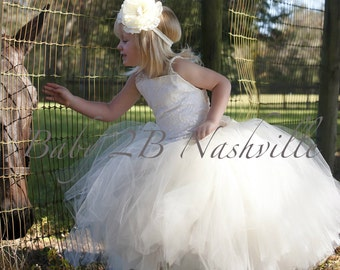 Single Ivory flower clip or headband to match your ivory lace dress