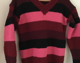 Lovely sweater purple/pink. Delicious sweater, purple/pink