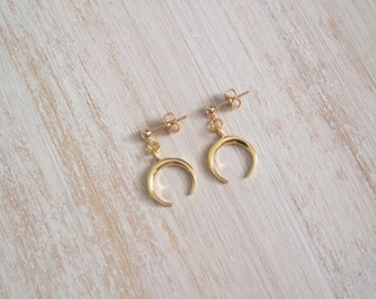 Mini crescent moon earrings, mini stud earrings, gold stud earrings, moon earring, mini horn earrings, boho stud earrings, summer jewellery
