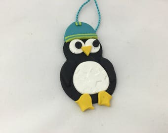 Penguin gift tag/ decoration