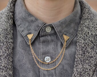 Gold Etched Triangle Collar/Cardigan Clip