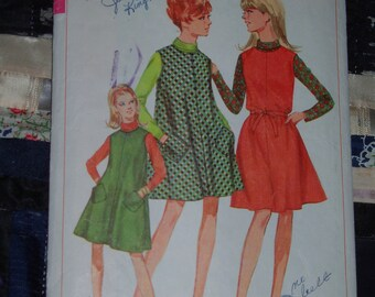 """Vintage 1967 Simplicity Pattern 7209 for """"Tent"""" Jumper in 2 lengths including Mini Size 10, Bust 31"""