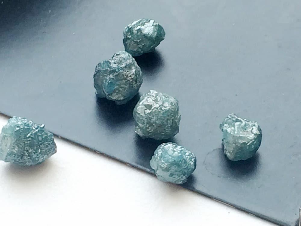 diamant brut bleu diamant rond brute bleu diamant brut