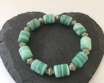 Green Beaded Bracelet / Beaded Bracelet / Beaded Jewellery / Green Bracelet / Green Jewellery / Green Gifts / Beaded Gifts