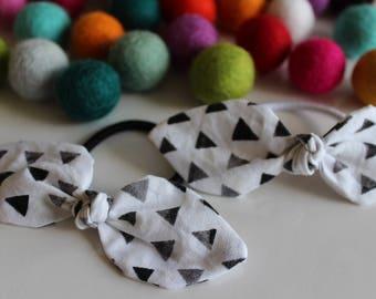 Black & White Triangle Knot Hair Tie