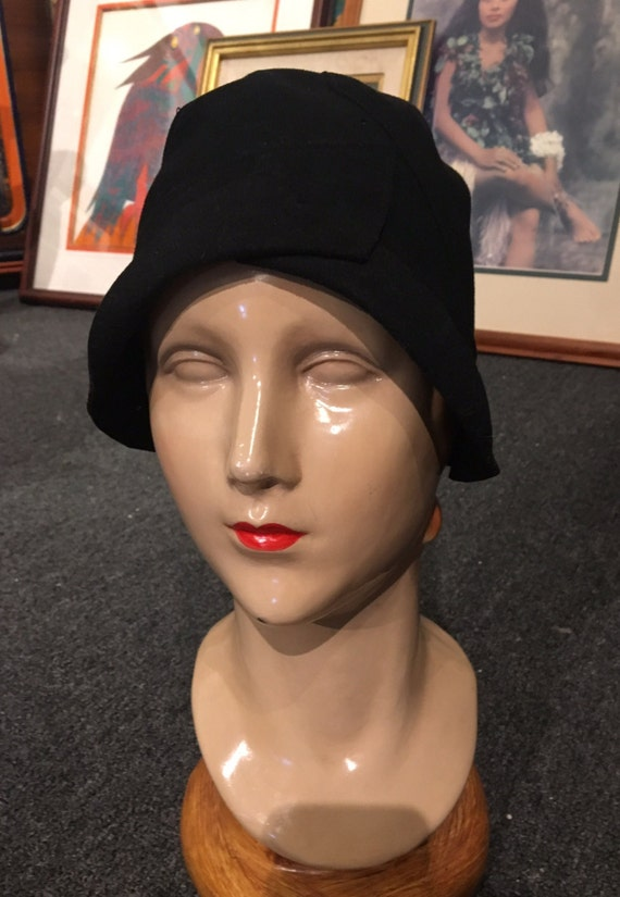 Vintage 1920s Dead Stock Black Felt Cloche by Marion Hats of New York