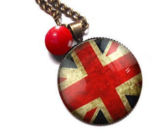 NECKLACE BRONZE UK London red metal and glass dome