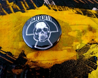 Badge 38 mms DOOM