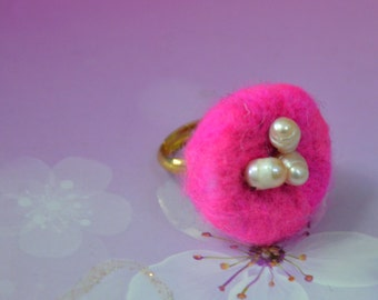 Needle Felted Nest with Fresh Water Pearl Egg Ring (Pink)