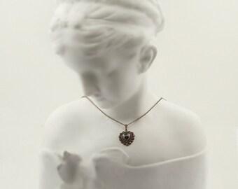 Vintage garnet heart pendant in Victorian style // гранат H08WPK