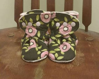 Pink Green Black Floral No-Slip Booties for Babies, Toddlers, Kids.
