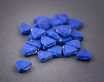 5 pcs - triangles • Indian glass beads • dishes • 12 mm matte opaque lapis blue
