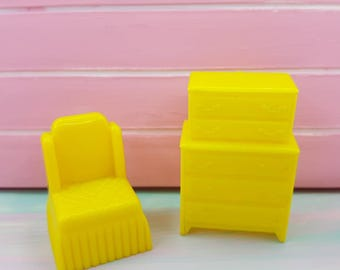 Marx Yellow Bedroom Traditional 2 Piece Dollhouse Toy Furniture Hard Plastic