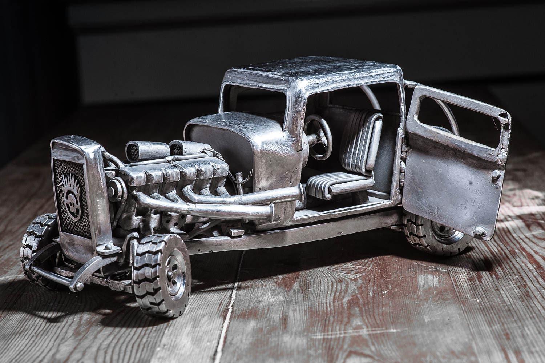 Auto Metall-Skulptur-Edelstahl Rod Steampunk von mad max Serie