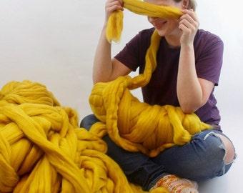 Merino wool yarn, merino yarn, merino wool, 1kg wool, chunky knit, chunky knit blanket, unspun wool, 23 micron, bulky yarn, ball of wool