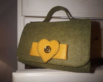 Green and yellow felt clutch bag-Vintage-hand-sewn-heart and button