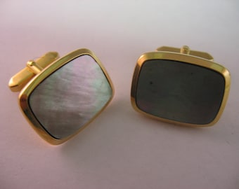 Vintage Men's Cufflinks Jewelry: Large Face Dark Mother of Pearl Rounded Corners Gold Tone Design