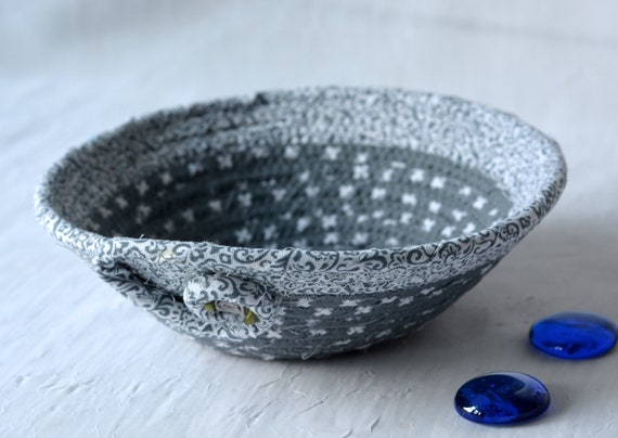 Gray Candy Dish, Grey Ring Holder Tray, Handmade Fabric Bowl, Small Grey Fabric Dish, Cute Desk Accessory Basket, Coiled Rope Basket