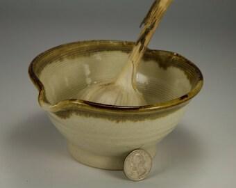 Brown garlic grating bowl