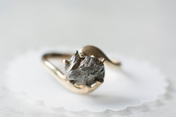 stone titanium tension settings boone htm set meteorite ring meteor meteoritesolitare rings solitare wedding