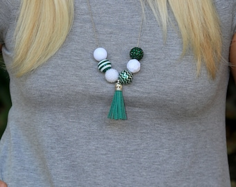 Game Day Necklace, Green and White Necklace, Green and White Jewelry, College Necklaces, College Jewelry, University Necklaces