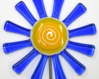 Glassworks Northwest - Brilliant Blue Daisy Flower Stake - Fused Glass Garden Art