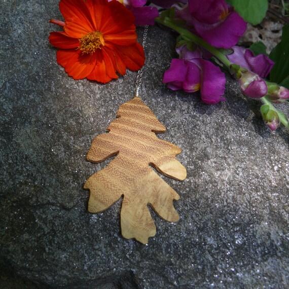 Oak Leaf Necklace Pendant, Oak leaf Silver Necklace, Oak leaf jewelry, Leaf Silver necklace, Nature lover gift, Gift for her under 20