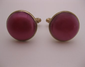 VINTAGE 1970s Funky Retro Candy Pink on Gold Tone Cuff Links w/Shimmery Bubblegum Colored Bakelite Type Center Stones Set in Gold Tone Metal