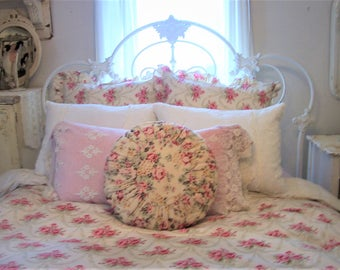 Authentic Rachel Ashwell SHABBY CHIC LINEN pillow~ 20 inches round~ Cluster Pink on Butter Cream background.  Shabby Brocante!