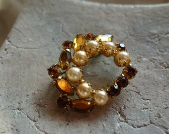 Vintage Brooch-grandma's old jewelry-60 years