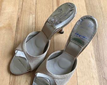 Vintage 50s womens slip on kitten heels size 6