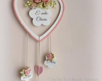 Wooden Baby bow birth, with flowers and pendants (weight, day,